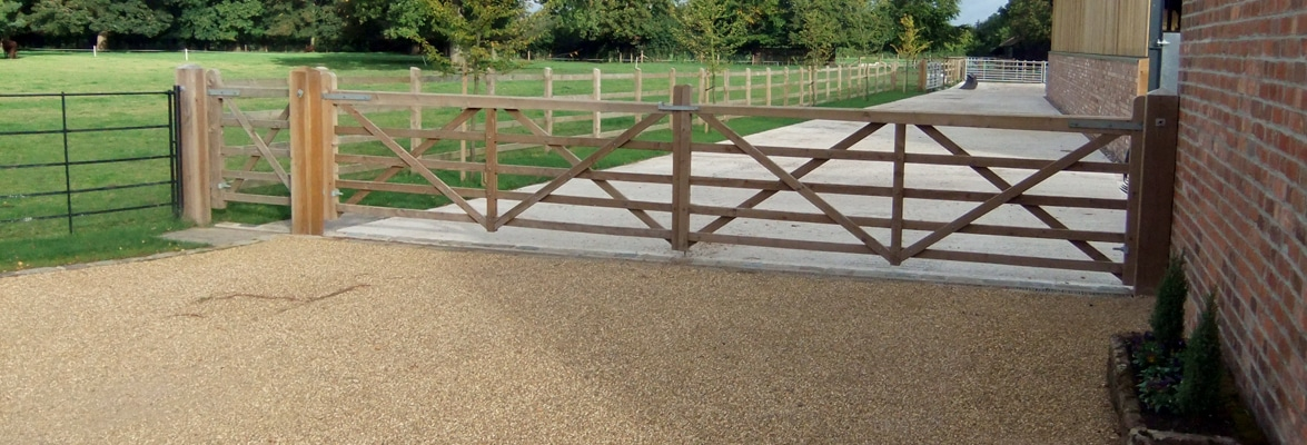 Suddenstrike fencing pedestrian access and gates