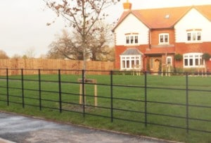 traditional-estate-fencing